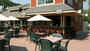 Outdoor dining at the Mill on Round Lake
