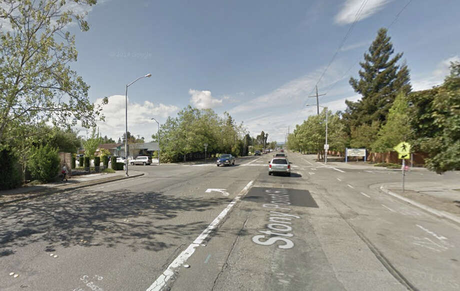 A motorcyclists was killed Sunday when he hit a jeep that pulled in front of him Stony Point Road and Lazzini Avenue, Santa Rosa, CA. Photo: Google Maps