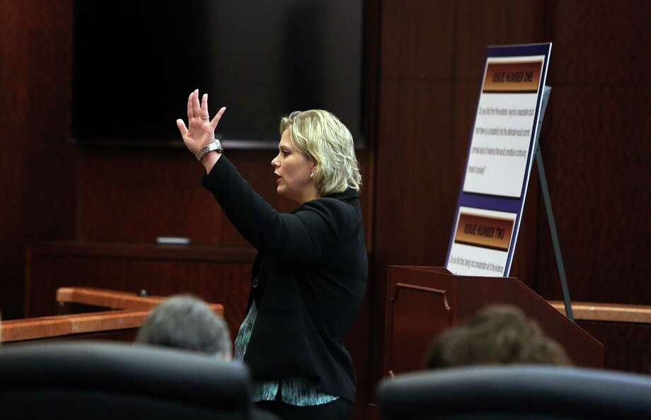 Lawyer Amy Martin, who is Albert Turner's appellate defense attorney, delivers her closing arguments in a death penalty from 2014. Photo: Mayra Beltran, Houston Chronicle / © 2014 Houston Chronicle