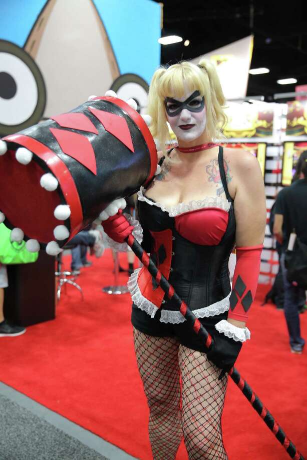 Harley Quinn 4The mallet is cool looking. The costume isn't exactly up to standard, but then again that depends on your standard. Harley Quinn 1 would have to be named the winner here, unless our standard is sex appeal. In that case we would go with Harley Quinn 3. Photo: Chelsea Lauren, Getty / 2014 Chelsea Lauren