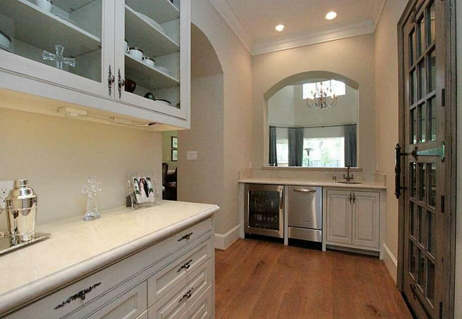 This Houston home has plenty of chic finishes. Photo: Houston Association Of Realtors