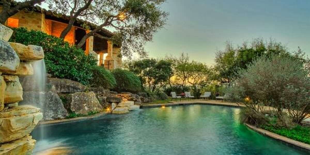 The Dominion - $3.7M price10 MERRIVALE PL San Antonio, TX  View the listing and amenities