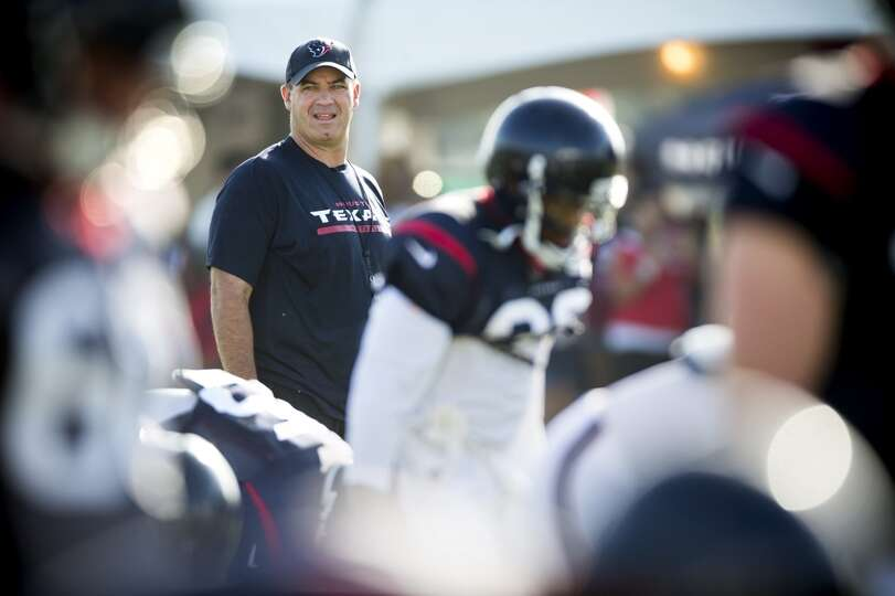 Day 3: July 28   Texans head coach Bill O'Brien watches his team wa