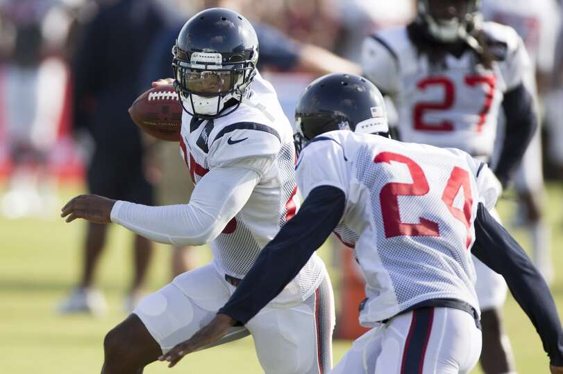 Day 3: July 28  Texans cornerback Kareem Jackson (25) runs a drill