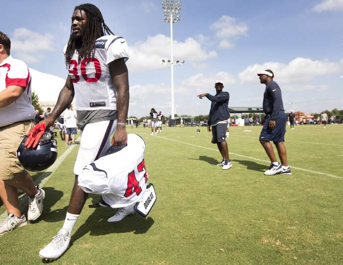 Day 3: July 28  Texans rookie linebacker Jadeveon Clowney (90) carr
