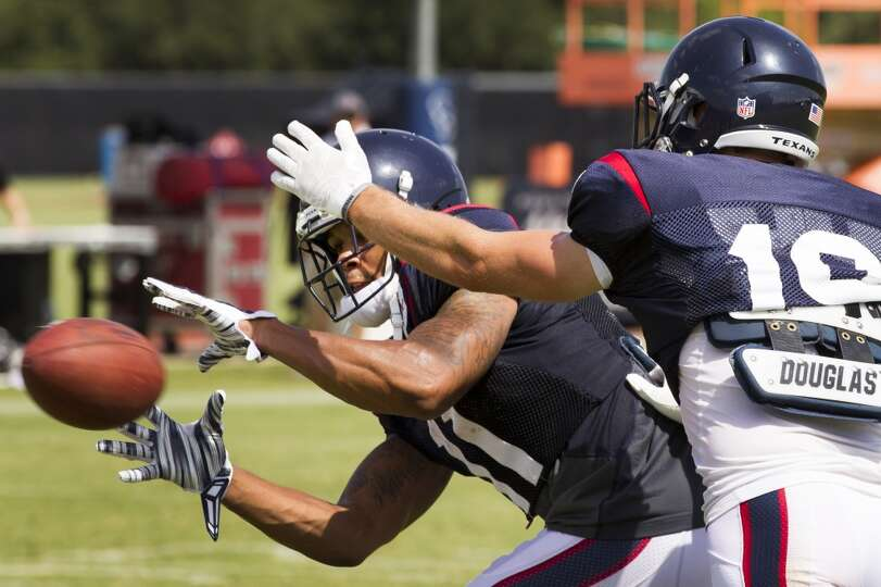 Day 3: July 28  Texans wide receiver DeVier Posey (11) makes a catc
