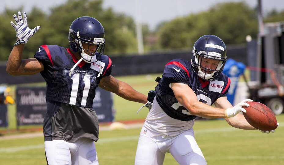 Day 3: July 28   Texans wide receiver Travis Labhart (19) makes a c
