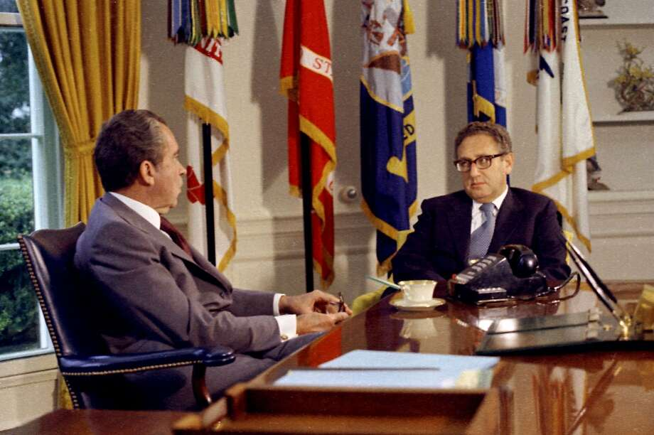 nixon office. President Richard Nixon And Secretary Of State Henry Kissinger Meet In The Oval Office On Sept P