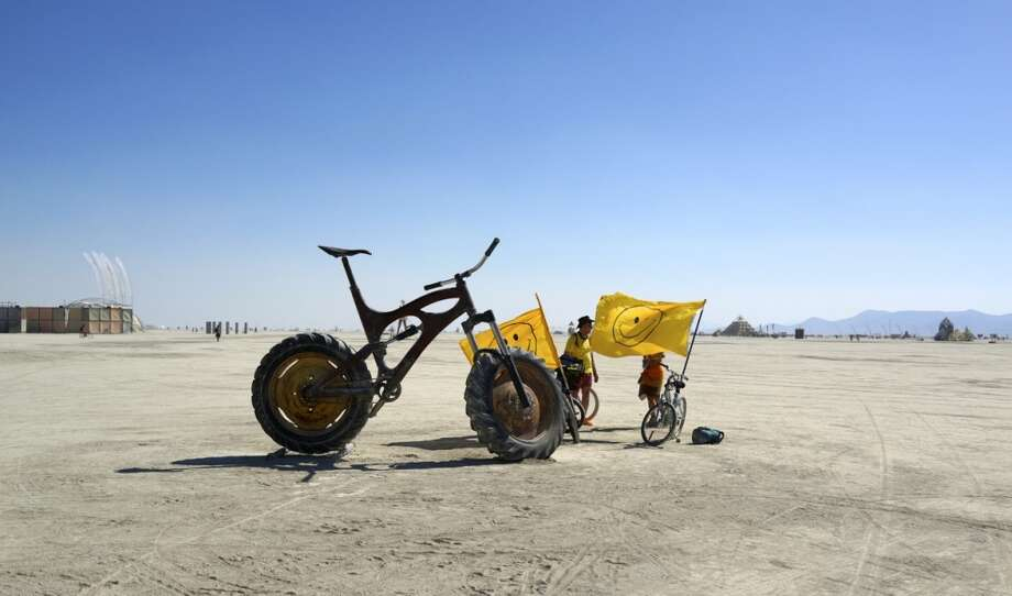 Nick Taylor's Ibis Maximus. For those who really, really love mountain biking. 1000 pounds of wow that's big.
