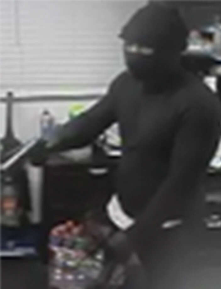 Police are searching for a susupect in a June 15 robbery of a Northwest Side Motel 6. Photo: Courtesy