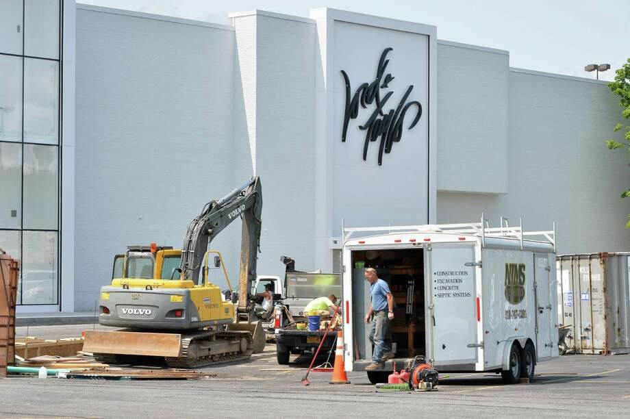 Construction continues at the new Lord & Taylor store at Crossgates Mall Tuesday July 29, 2014, in Guilderland, NY.  (John Carl D'Annibale / Times Union) Photo: John Carl D'Annibale / 00027981A