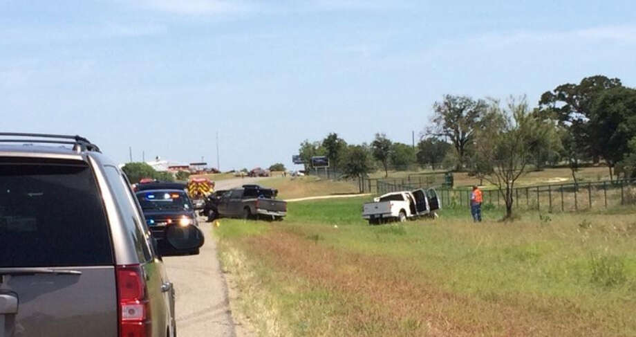 Deadly crash by Texas Pride BBQ on 1604. Photo: Mitchell Ferman/San Antonio Express-News
