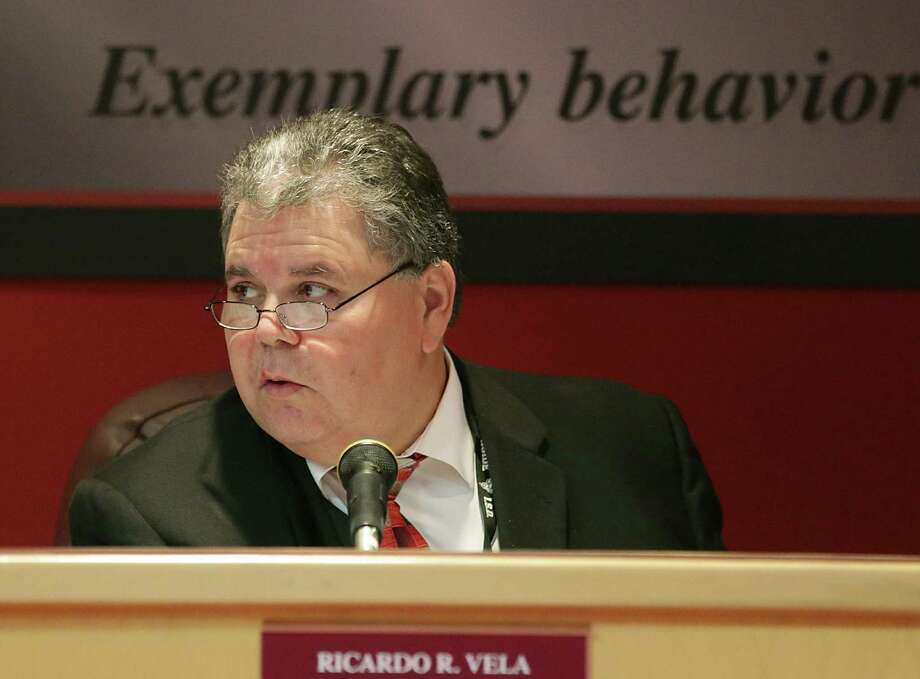 The Texas Education Agency was right to deny a three-year certification waiver to Southside ISD Superintendent Ricardo Vela, but it is a bad move to offer him the opportunity to take another bite at the apple.  Photo: San Antonio Express-News File Photo / ©2013 San Antonio Express-News