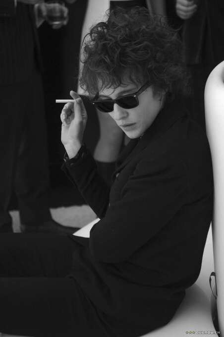 """Cate Blancett as Bob Dylan in """"I'm Not Here"""":  Looked like him? Yes, if he were a woman. Sounded like him? Not exactly. Result:  Very annoying. Photo: Weinstein Co. 2007"""
