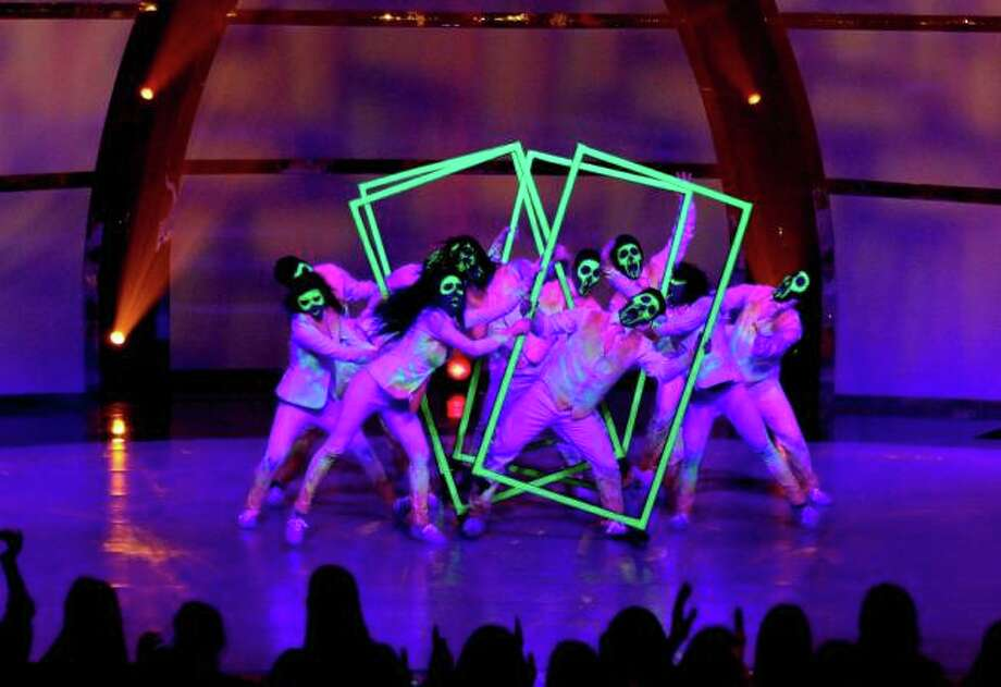 "SO YOU THINK YOU CAN DANCE: Academy of Villains perform a dance routine to ""What You Waiting For?"" on SO YOU THINK YOU CAN DANCE airing Wednesday, July 30 (8:00-10:00 PM ET/PT) on FOX. ©2014 FOX Broadcasting Co. Cr: Adam Rose"