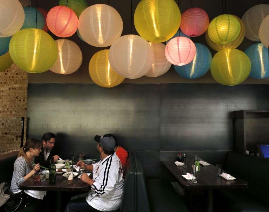 Chino: Eggrolls, Dan Dan noodles Photo: Carlos Avila Gonzalez, The Chronicle