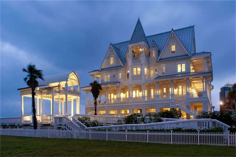 This gorgeous Galveston home is the perfect luxury getaway. Photo: Houston Association Of Realtors