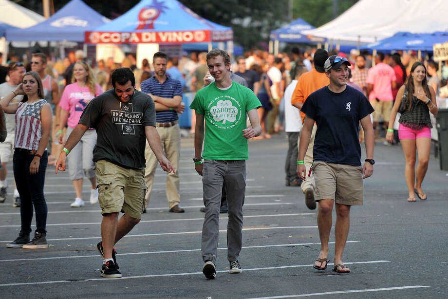 Scenes from Alive@Five in Columbus Park in Stamford, Conn., on Thursday, July 31, 2014. Hearst Connecticut Media Group is a sponsor of the event. Photo: Jason Rearick / Stamford Advocate