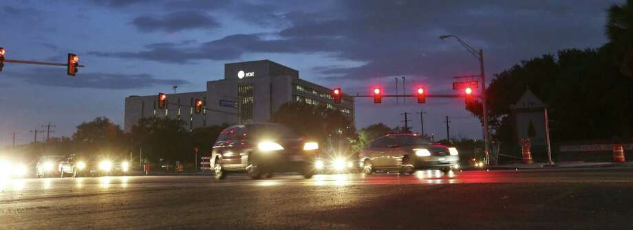 Drivers no longer have to navigate through construction zones at Broadway and Hildebrand. Photo: Edward A. Ornelas / San Antonio Express-News / © 2014 San Antonio Express-News