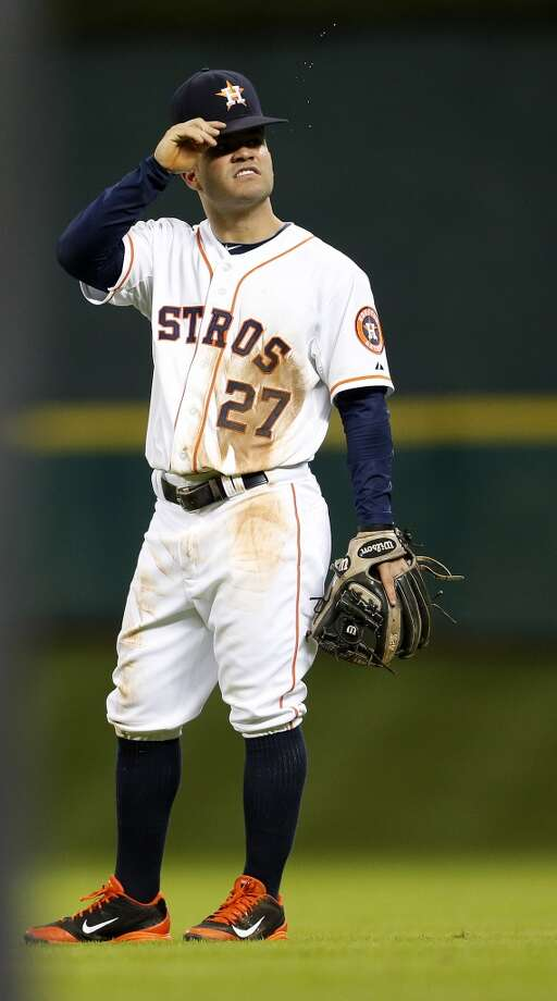 Jose Altuve reacts reacts to a home run surrendered by the Astros in the sixth inning. Photo: Karen Warren, Houston Chronicle