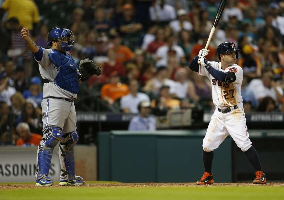 Jose Altuve  is intentionally walked in the sixth inning. Photo: Karen Warren, Houston Chronicle