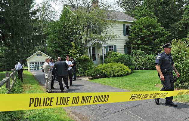 Police investigate a body that was found at this 63 Union Ave. home on Friday, Aug. 1, 2014, in Delmar, N.Y. (Lori Van Buren / Times Union) Photo: Lori Van Buren / 00028036A