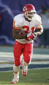 Priest Holmes: Marshall High grad played running back for the Baltimore Ravens and Kansas City Chiefs, winning Super Bowl XXXV with the Ravens. He is a three-time Pro Bowl and three-time All-Pro selection, the 2002 Express-News Sportsman of the Year, and was elected to the San Antonio Sports Hall of Fame in 2011. Photo: Harry How, Getty Images / 2005 Getty Images