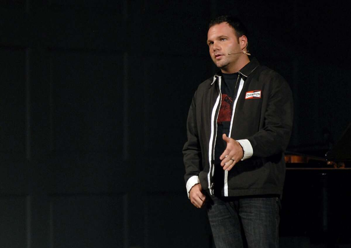 """A lawsuit charges a """"pattern or racketeering"""" at the Mars Hill Church, which imploded in 2014. The suit comes as ex-senior pastor Mark Driscoll seeks to build a new ministry in Phoenix."""