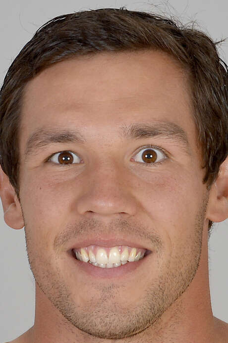 Rams coaches are keeping track of the amount of times Sam Bradford throws during practice. / NFLPV AP