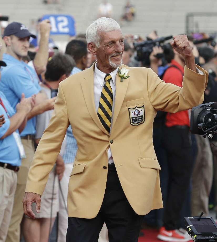 Former Raider Ray Guy celebrates his induction into the Pro Football Hall of Fame in Canton, Ohio. Photo: Tony Dejak, Associated Press