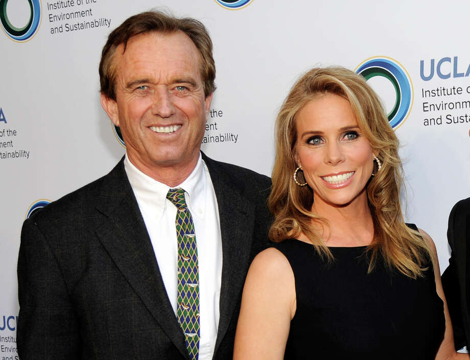 Robert Kennedy Jr. and Cheryl Hines wed Saturday at Cape Cod. Photo: Chris Pizzello, INVL / Invision