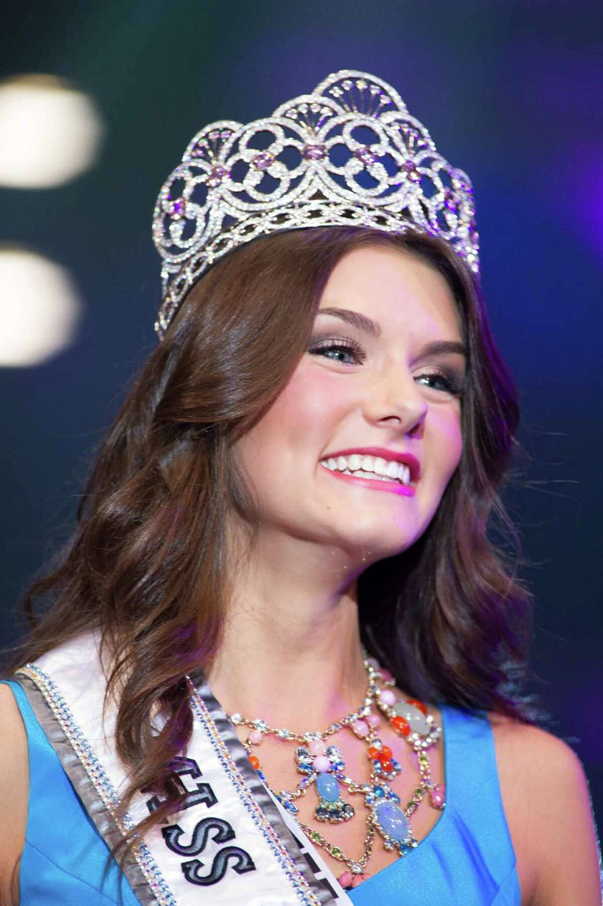K. Lee Graham, Miss South Carolina TEEN USA 2014, is crowned Miss Teen USA 2014. She celebrates on stage after the crowning from Atlantis, Paradise Island resort in The Bahamas on Saturday, August 2, 2014. HO/ Miss Universe L.P., LLLP