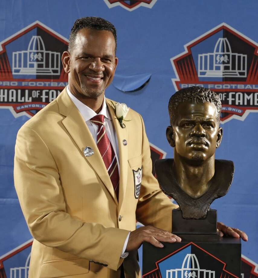 Hall of Fame inductee Andre Reed poses with his bust during the 2014 Pro Football Hall of Fame Enshrinement Ceremony at the Pro Football Hall of Fame Saturday, Aug. 2, 2014, in Canton, Ohio. Photo: Tony Dejak, Associated Press