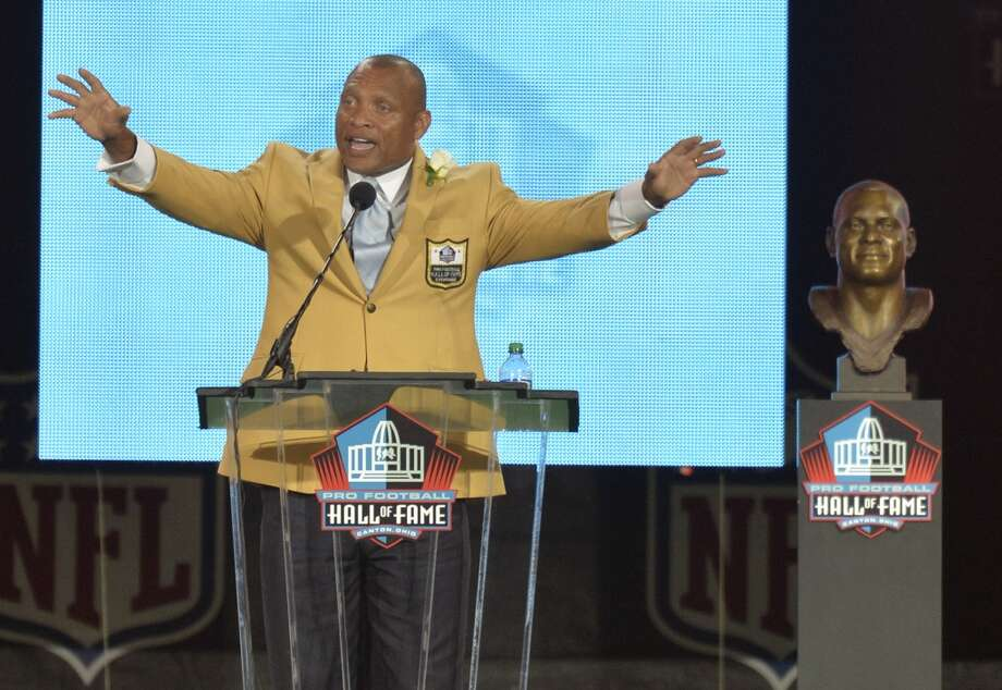 Hall of Fame inductee Aeneas Williams speaks during the Pro Football Hall of Fame enshrinement ceremony Saturday, Aug. 2, 2014 in Canton, Ohio. Photo: David Richard, Associated Press