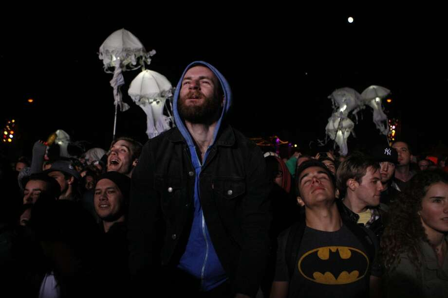 10. Respect the opening act. You may not want to hear them but getting to open for Kings of Leon might be the best thing that ever happened to the guys who have to play while 93 percent of the people in the venue are standing in line for beer.  If you get to a show early and can't stand the opening act, go for a walk. Don't heckle. Don't throw things. Don't try to unplug the soundboard. Those guys probably just spent 14 hours in a minivan sharing a gas station burrito just to have that 20 minutes of stage time. And if you like what you hear, head out to the merch booth and buy something so they can eat another burrito tomorrow. Photo: Raphael Kluzniok, The Chronicle