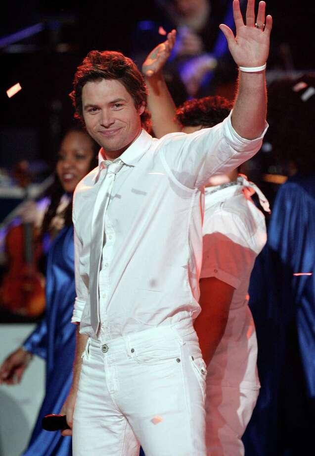 American Idol contestant Michael Johns performs during the taping of Idol Gives Back held at the Kodak Theatre on April 6, 2008 in Hollywood, California. Photo: Kevin Winter, Getty Images / 2008 Getty Images