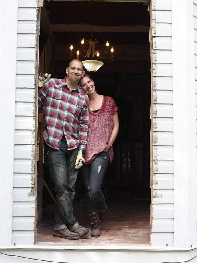 Brandon Hatmaker, his wife, Jen, and their five children went on an adventure to completely renovate their 100-year-old farmhouse into the home of their drems. The family, with help from the crew atHGTV's My Big Family Renovation, managed to transform the whole house in six months. Source: HGTV. Photo: Courtesy/HGTV