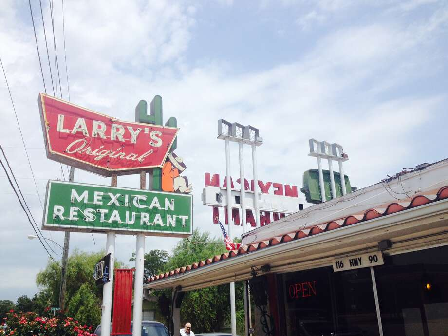 Some of Felix's style also survives at Larry's Mexican Restaurant in Richmond, Texas. Started in 1960, with help from Tijerina, Larry's still boasts a neon sign that's a dead ringer for the old Felix's on Westheimer.