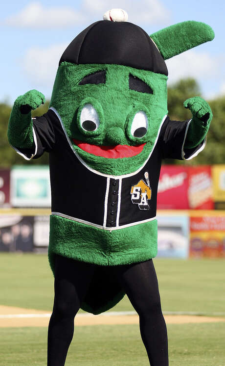 Ballapeño, mascot of the San Antonio Missions, is compe-ting to become the top Minor League Baseball mascot. Photo: Express-News File Photo / eaornelas@express-news.net