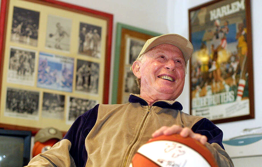 Red Klotz, the coach of the Globetrotters' opponent, the Washington Generals, died last month at 93. Photo: CHRIS POLK, STR / AP