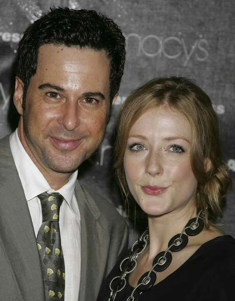 SANTA MONICA, CA - SEPTEMBER 27:  Actors Jonathan Silverman (L) and Jennifer Finnigan attend the Macy's Passport auction and fashion show in celebration of it's 25th anniversary at Barker Hangar on September 27, 2007 in Santa Monica, California.  (Photo by David Livingston/Getty Images) Photo: David Livingston, Stringer / Getty Images North America