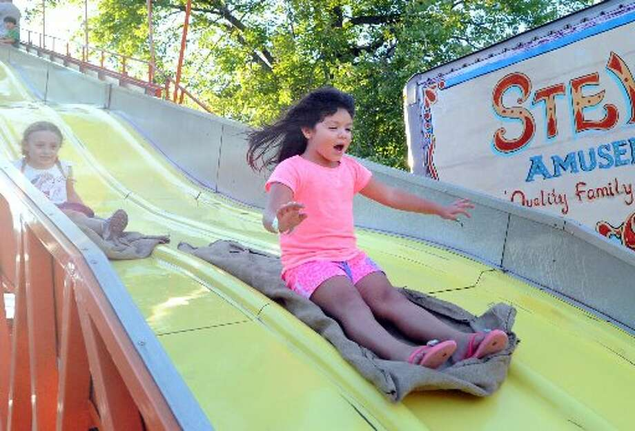 There are slides and rides available at the Carnival of Fun in Riverside,