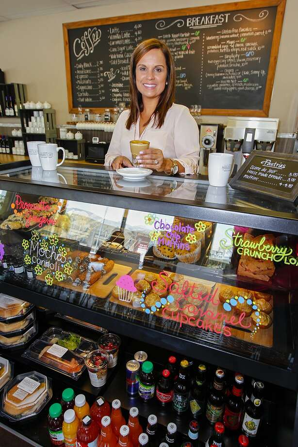 Hanan's Café, owned by Amy Vasquez, offers fresh foods with a menu that varies according to availability of products. Photo: Diana L. Porter, Freelance / © Diana L. Porter