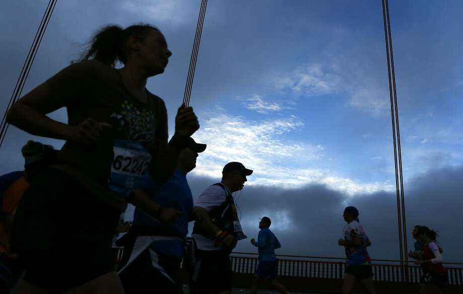 An app glitch, water shortages and confusion about a race winner marred the S.F. Marathon July 27. Photo: Scott Strazzante, The Chronicle