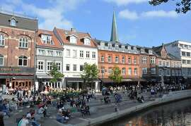 The pedestrianized canal zone in Aarhus is an always-lively place to get a bite to eat.  CH11Summer_150.jpg