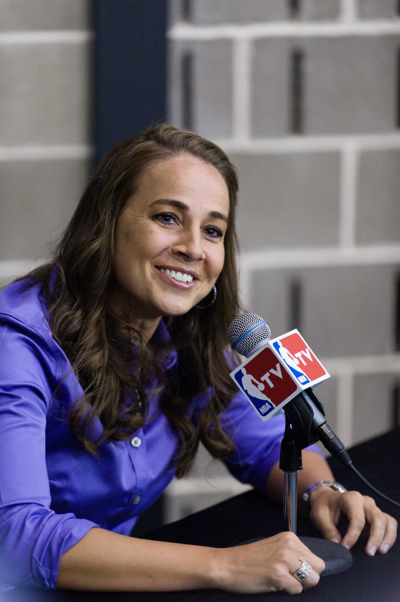 Spurs Shatter Glass Ceiling With Hammon S Hiring Houston