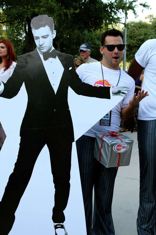 Myspy S A Fans Enjoy Justin Timberlake San Antonio
