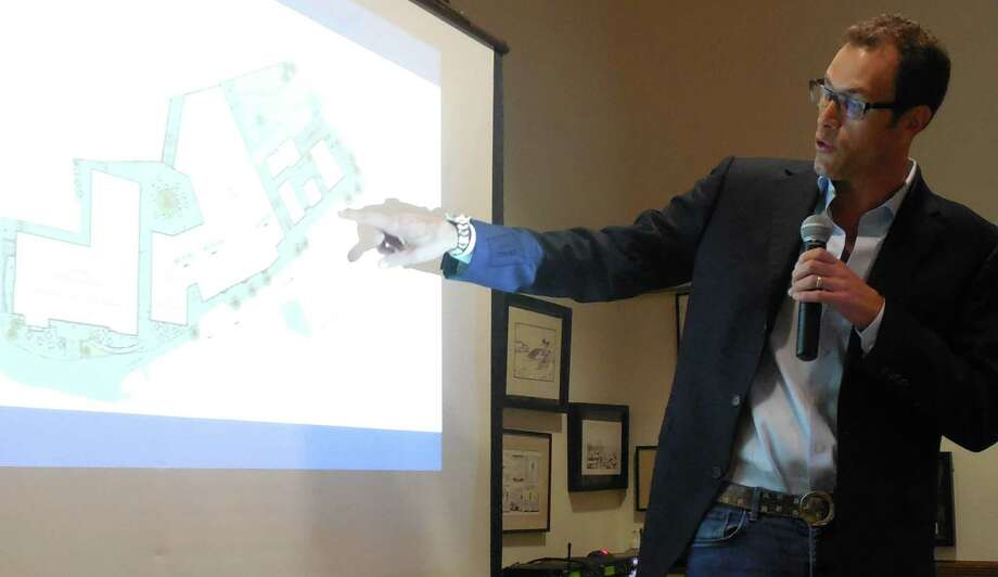 Developer David Waldman explained his Bedford Square and Kemper-Gunn projects Wednesday night during a special meeting of the Downtown Steeering Committee in Town Hall. Photo: Anne M. Amato / westport news