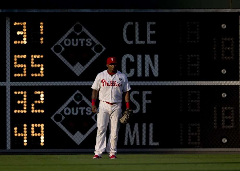 Right fielder Marlon Byrd stands in the outfield. Photo: Mitchell Leff, Getty Images