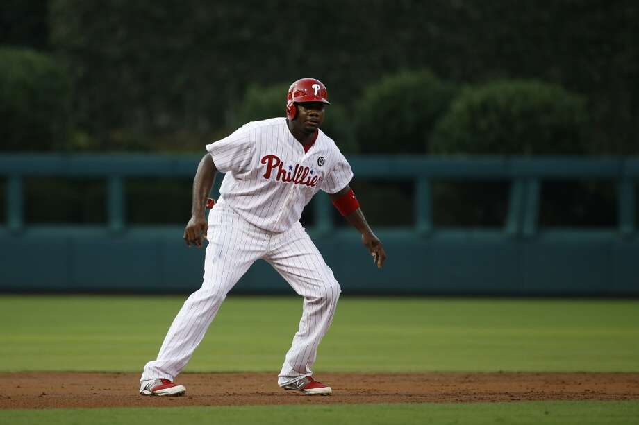 Ryan Howard runs the bases. Photo: Matt Slocum, Associated Press